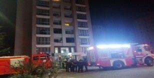 10 katlı binada çıkan yangın vatandaşları sokağa döktü
