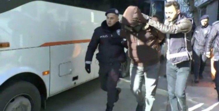 İzmir'deki suç örgütü operasyonunda 59 kişi adliyeye sevk edildi