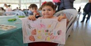Çocuklardaki depremin izleri masalla siliniyor