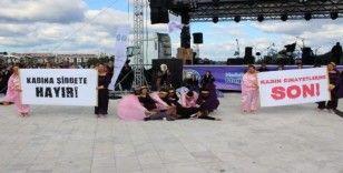 Festivalde kadına şiddeti dikkat çektiler