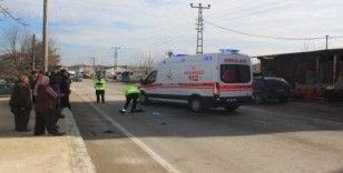 Otomobilin çarptığı yaşlı kadın ağır yaralandı