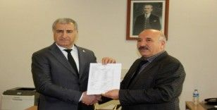 CHP İl Başkanı Doğan mazbatasını aldı