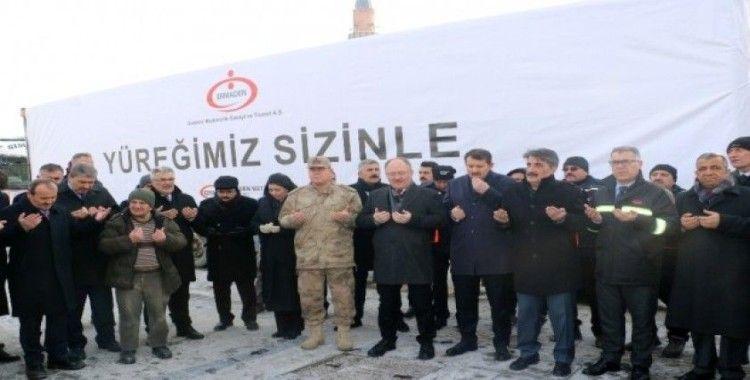 Sivas'tan, İdlib, Elazığ ve Malatya'ya 7 tır yardım malzemesi