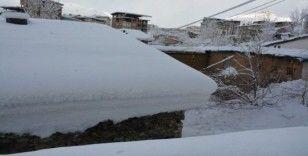 Hakkari'de 38 yerleşim yeri kapandı