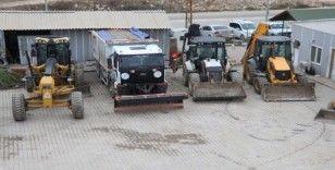 Karaköprü'de karla mücadele ekibi hazır