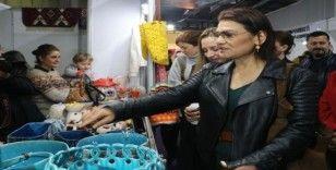 Dizi oyuncuları kadın kooperatifleri sergisini gezdi