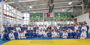 Türk ve Azeri Judo Milli Takımları olimpiyatlara Samsun'da hazırlanıyor