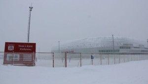 Kupa maçının oynanacağı stadyumda 30 cm kar var