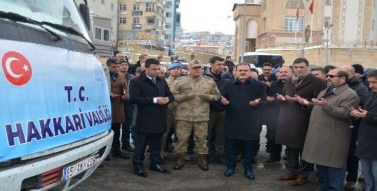Hakkari'den deprem bölgesine yardım