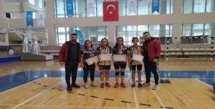 Cizreli genç kızların badminton başarısı