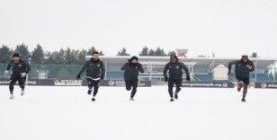 Gaziantep FK, Rize maçı hazırlıklarına karlı havada da devam etti