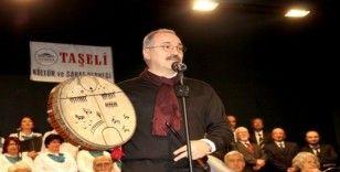 Kaymakam Emiroğlu, şaman davulu çalıp Doğu Türkistan'a selam yolladı