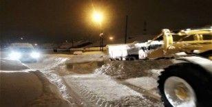 Tuşba Belediyesinden karla mücadele çalışmaları