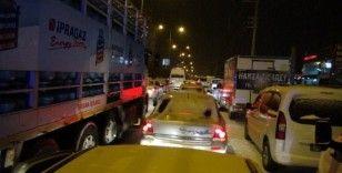 Silvan'da 78 köy ulaşıma kapandı, araçlar yolda mahsur kaldı