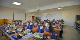 """Kocaeli'de kurduğu """"Robotik Kodlama"""" sınıfları açıldı"""