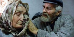 Mustafa dede ile alzaymır hastası eşinin aşkı 'dillere destan' oldu