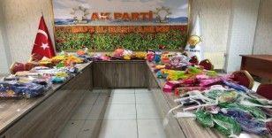 AK Parti üyelerinden depremzede çocuklara oyuncak