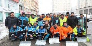 Başkan Çolakbayrakdar, kar temizleme çalışmalarını inceledi