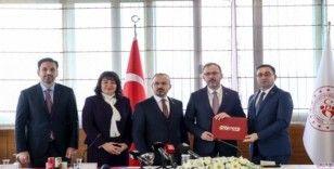 """Bülent Erdoğan: """"Biga'da yüzme bilmeyen kalmayacak"""""""