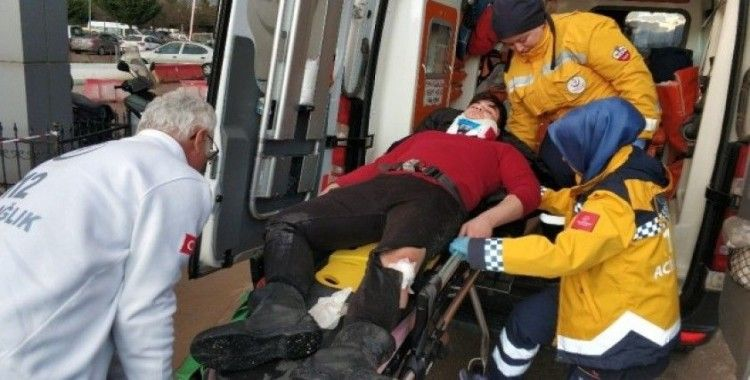 Kayarak devrilen motosikletin sürücüsü hastanelik oldu