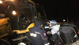 Dağda mahsur kalan paraşütçü kurtarma ekiplerine tepki gösterdi