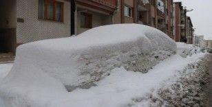 Araçlar karda kayboldu, Kızılırmak dondu