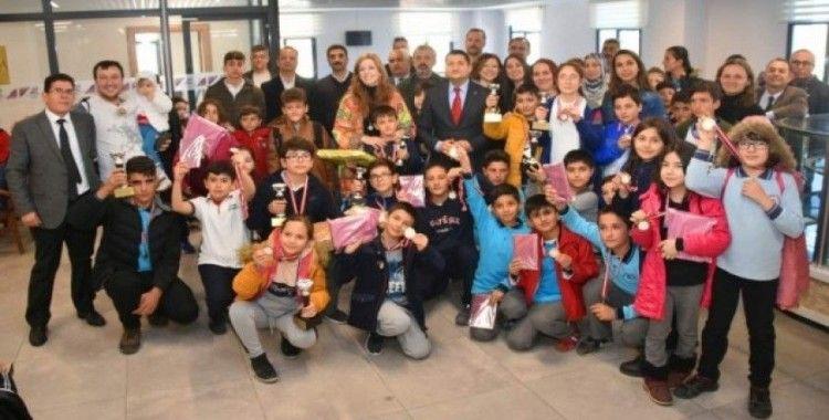 Aliağa'da Akıl Ve Zeka Oyunları Turnuvası