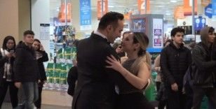 Forum Çamlık AVM'de aşkın dansı tango gösterisi
