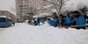 VASKİ ekipleri tam kadro karla mücadele seferberliğinde