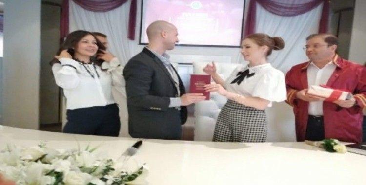Maltepe'de 14 çift, 14 Şubat'ta bir ömür boyu mutluluğa evet dedi