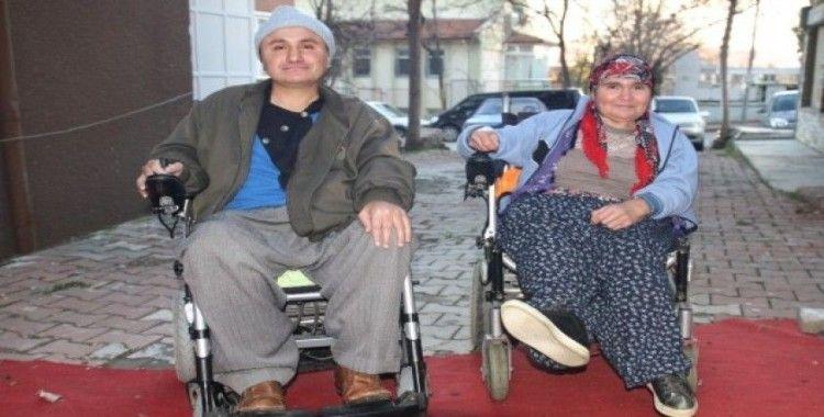 14 Şubat'ta evlenen engelli çiftin 8 yıllık engelsiz yaşama azmi