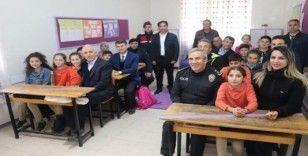 Akdeniz ilçesinde okullar yuvaya dönüşüyor