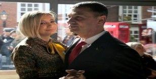 Başkan Şimşek ve eşinin romantik dansı