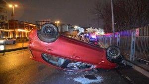 Sürücüsünün hakimiyetini kaybettiği otomobil takla atarak durabildi