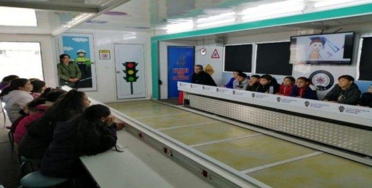 Trafik Eğitim Tırı Lüleburgaz'da