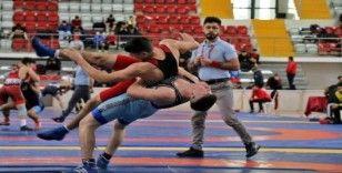 Gençler Türkiye Güreş Şampiyonası, Sivas'ta devam ediyor