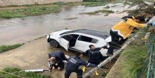 Fethiye'de otomobil sulama kanalına uçtu; 1 yaralı