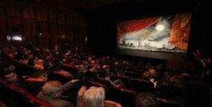 """""""80 Günde Devr-i Alem"""" Kocaelili tiyatro severlerle buluştu"""