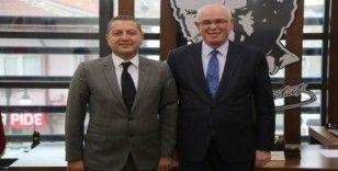 Bozcaada Belediye Başkanı Yılmaz'dan Başkan Kurt'a ziyaret