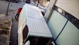 İstanbul'da kaşla göz arasında cep telefonu hırsızlıkları kamerada