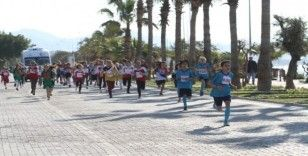 Alanya'da okullararası kros yarışı