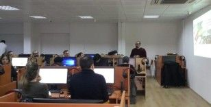 MEÜ öğretim elemanlarına elektronik soru yazma eğitimi verildi
