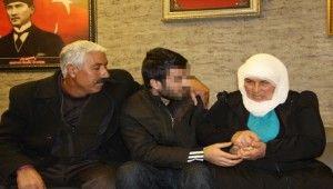 HDP önündeki eyleme katıldı 6 yıl sonra oğluna kavuştu