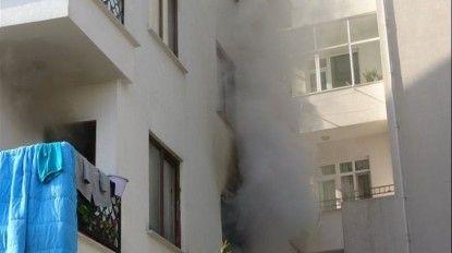 Sancaktepe'de evin alevlere teslim olduğu anlar kamerada