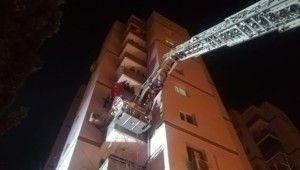 İzmir'de 11 katlı binada yangın