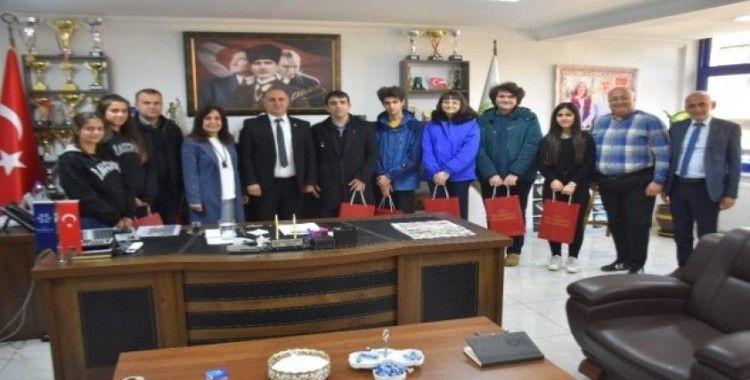 Başkan Kaya'dan gençlere destek