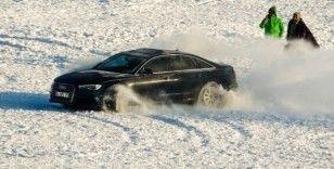 Çıldır'da buz üstünde heyecanlı drift