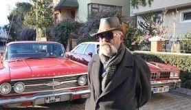 Trabzon'da onu herkes bıyığı ve klasik arabalarıyla tanıyor