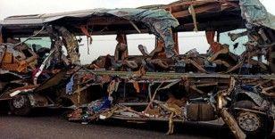 Hindistan'da tır yolcu otobüsüne çarptı: 20 ölü