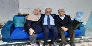 Başkan Yaman Umre'den dönen çifti ziyaret etti